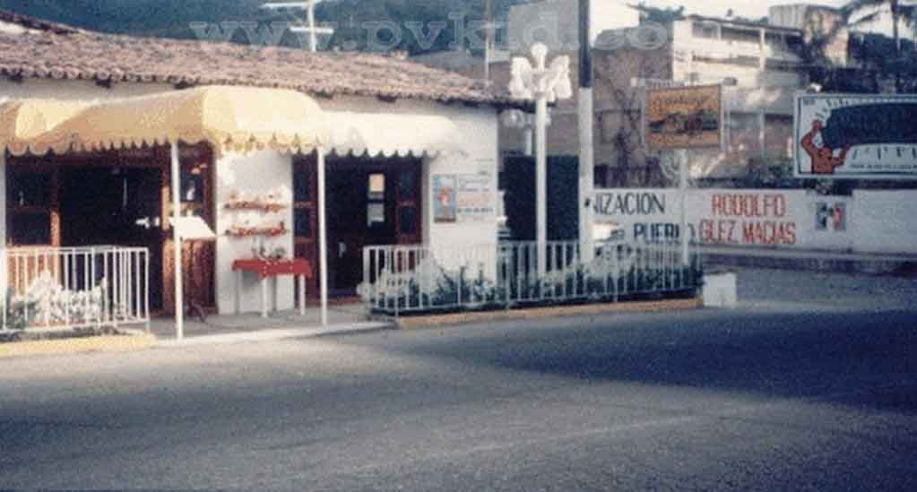 Old Photos of Puerto Vallarta Second Slider 31