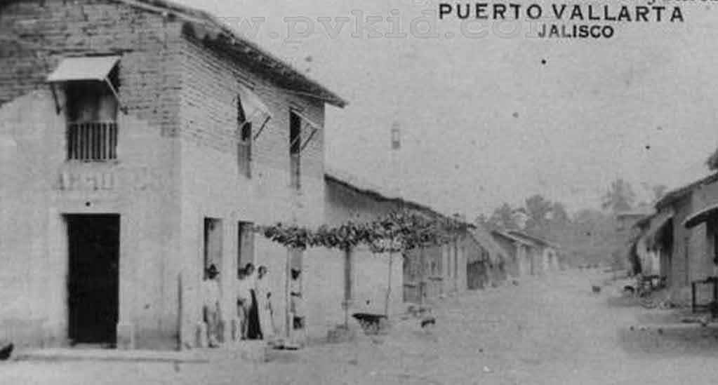 Old Photos of Puerto Vallarta Second Slider 6