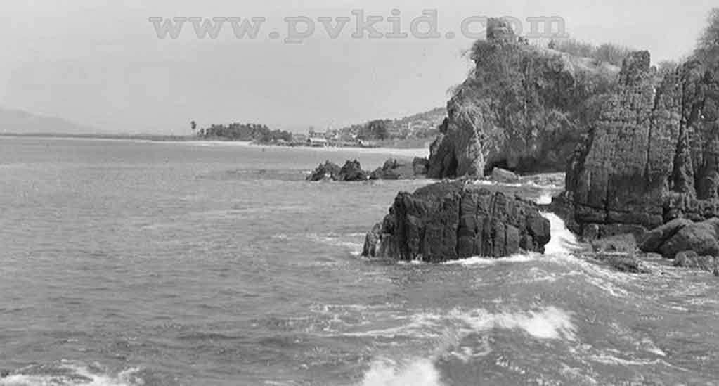 Old Photos of Puerto Vallarta Second Slider 67