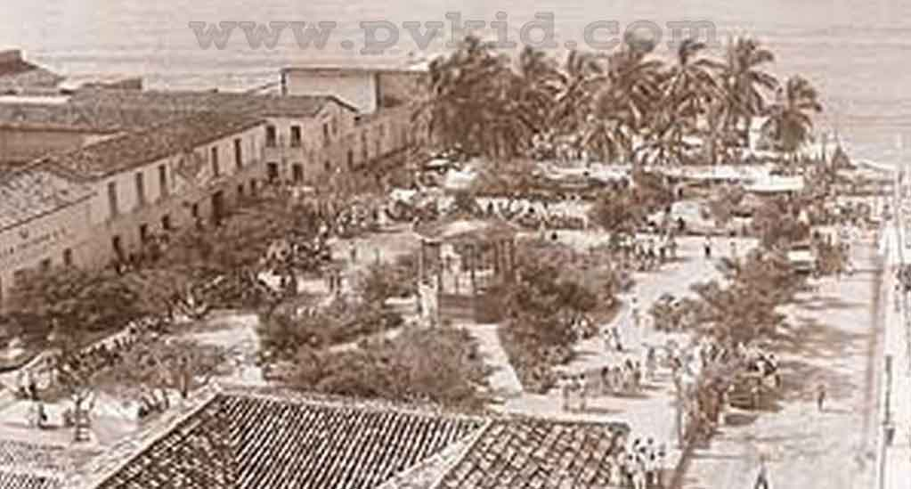 Old Photos of Puerto Vallarta Second Slider 73